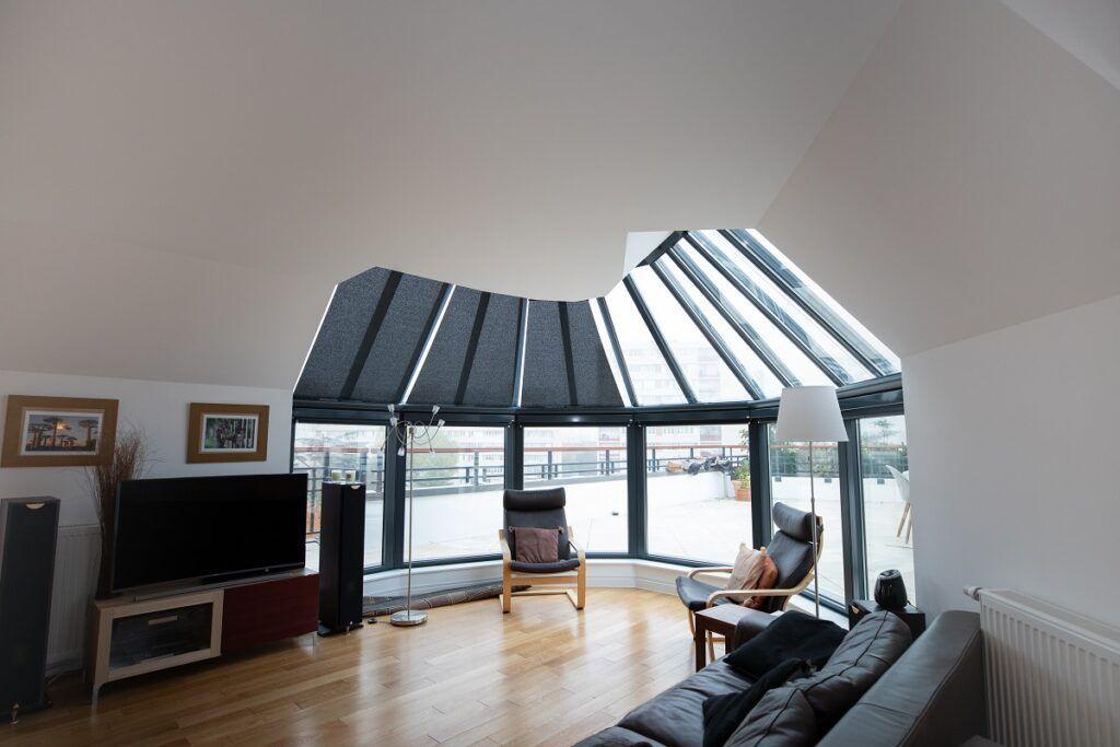 Stores de toiture de véranda noires
