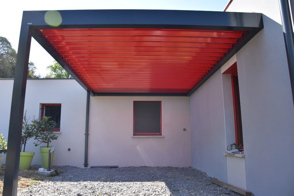 pergola bioclimatique rouge et noir
